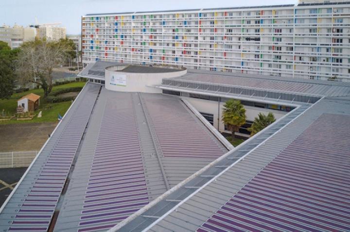 Во Франции запустили крупнейшую электростанцию из органических солнечных панелей
