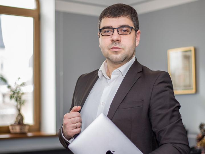 Финансовый эксперт и бизнес-аналитик Bogdan Terzi